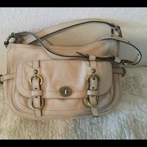 COACH Cream CrossBody Leather Bag Zip Closure CUTE